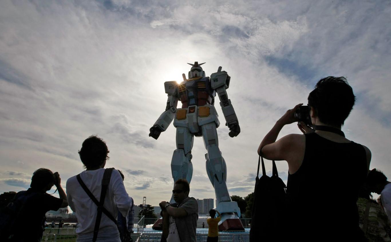 finest selection 78195 4fbe5 La película de  Gundam  en imagen real queda en manos del guionista de   Runaways  e  Y  el último hombre