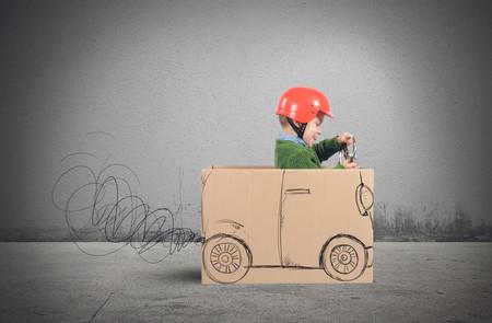 niño coche