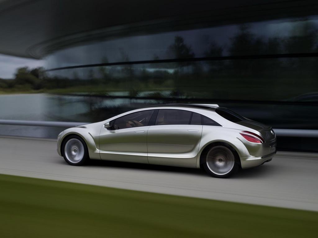 Foto de Mercedes F700 (21/25)