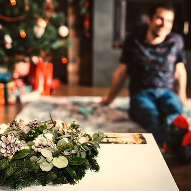 ¿Decoras tu casa este puente? Descubre las tendencias en decoración floral para esta Navidad