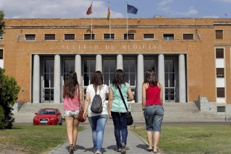 La intrigante encuesta de inserción laboral de universitarios del INE