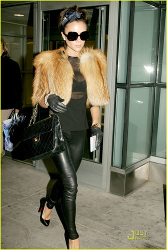 Victoria Beckham en la Semana de la Moda de Nueva York disfrazada de Cruela D'Vil