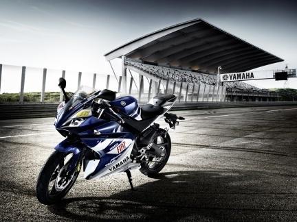 Yamaha YZF R125 Rossi Réplica