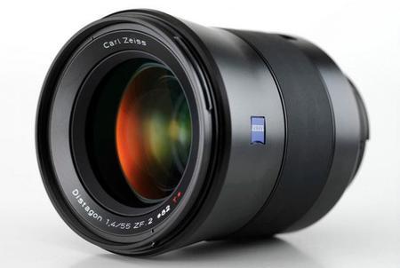 Zeiss podría presentar en Photokina dos nuevos objetivos Otus: el 85 mm f/1.4 y el 35 mm f/1.4