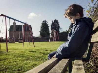 ¿Se ríen de tu hijo/a en el colegio? Esto es lo que podéis hacer
