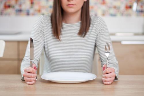 La gran guerra en la ciencia de la nutrición sobre adelgazar: dietas bajas en grasas vs dietas bajas en hidratos