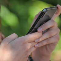 Los adolescentes no se sienten tan solos durante la cuarentena si interactúan positivamente online