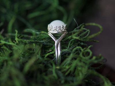 La última moda que está arrasando: joyas hechas con leche materna