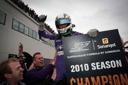 Davide Rigon se proclama campeón de la Superleague Formula en el Circuito de Navarra