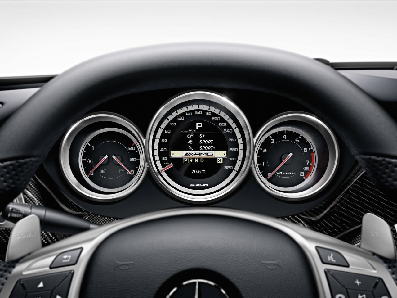 Foto de Mercedes CLS 63 AMG 2011 (27/30)