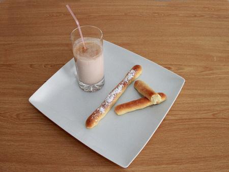 Fartons valencianos con leche entera sin lactosa. Receta
