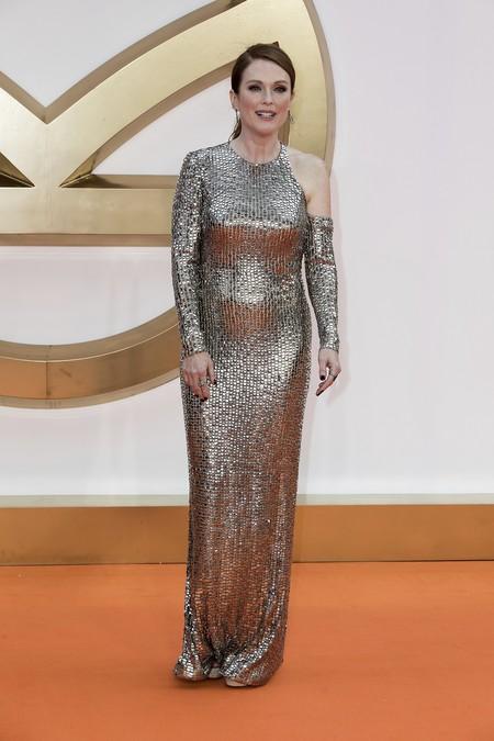 premiere kingsman circulo dorado actrices celebrities alfombra roja look estilismo outfit julianne moore