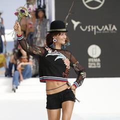 Foto 14 de 24 de la galería desigual-ha-sido-la-firma-encargada-de-inaugurar-la-primera-edicion-de-la-pasarela-mercedes-benz-fashion-week-ibiza en Trendencias