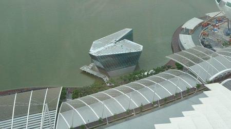Louis-Vuitton-Island-Maison-At-Marina-Bay-Sands-2