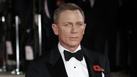 Si James Bond bebiera todo lo que bebe en sus películas y novelas no podría ser James Bond