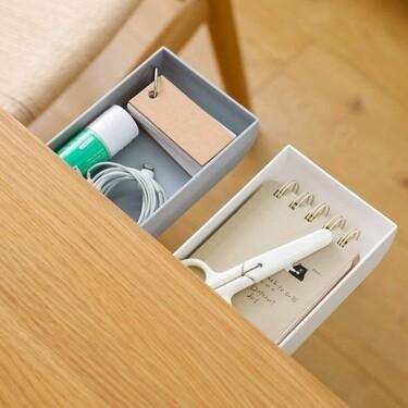 Siete cajones autoadhesivos que amplían el espacio de almacenaje en el escritorio (y cómo colocarlos)