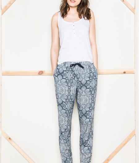 Pantalones Baggy Con Print Paisley