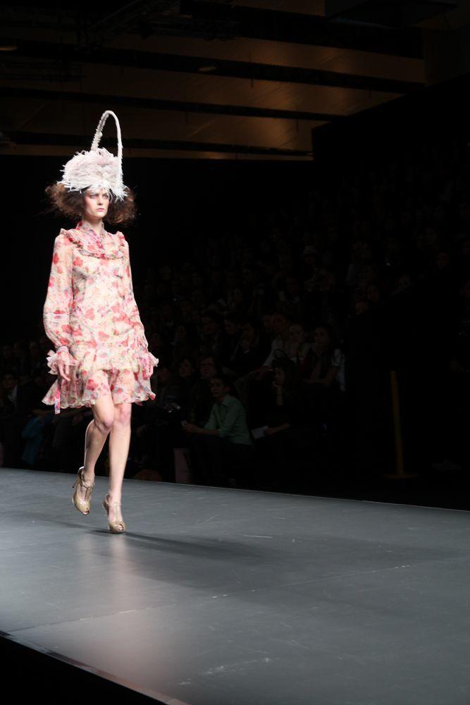 Foto de Alma Aguilar en la Cibeles Madrid Fashion Week Otoño-Invierno 2011/2012 (126/126)