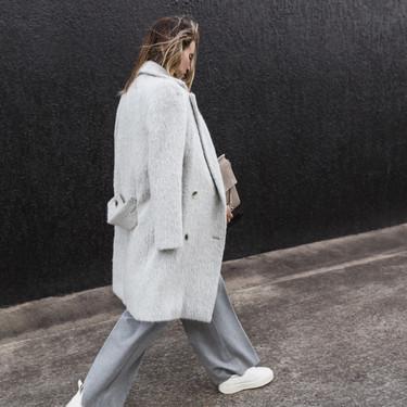 ¿Un abrigo no es suficiente contra este frío? Las influencers lo tienen claro: a mí me daban dos (abrigos)