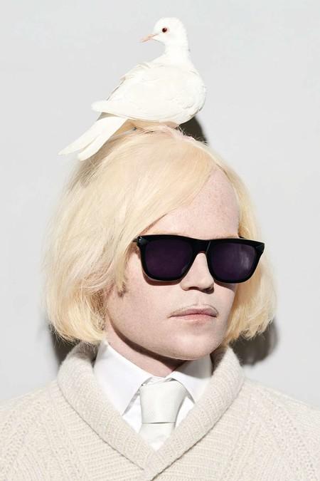 ¡Monumental! Así es la primera colección de gafas de sol para hombre de Karen Walker