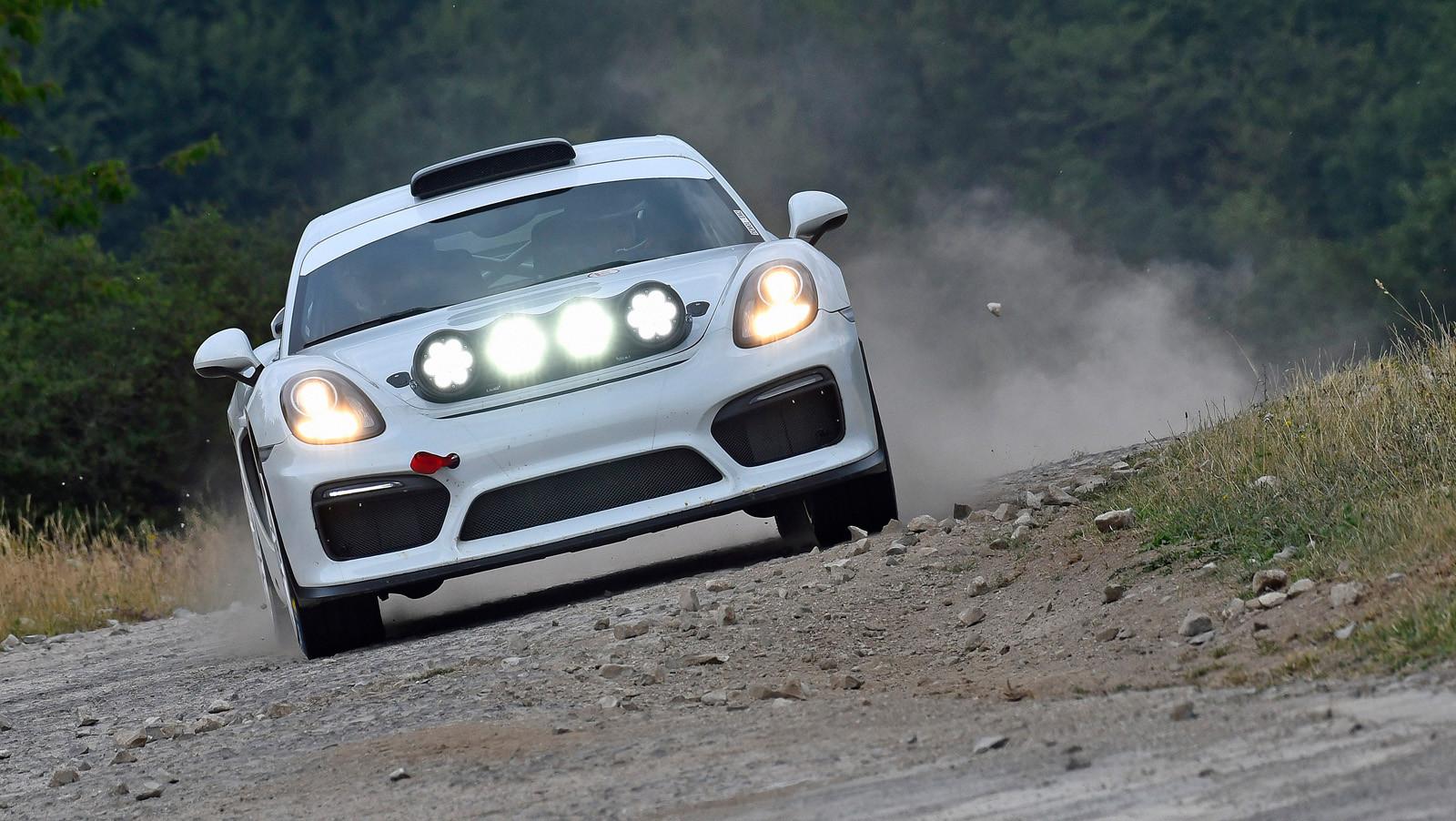Foto de Porsche Cayman GT4 Clubsport (15/16)