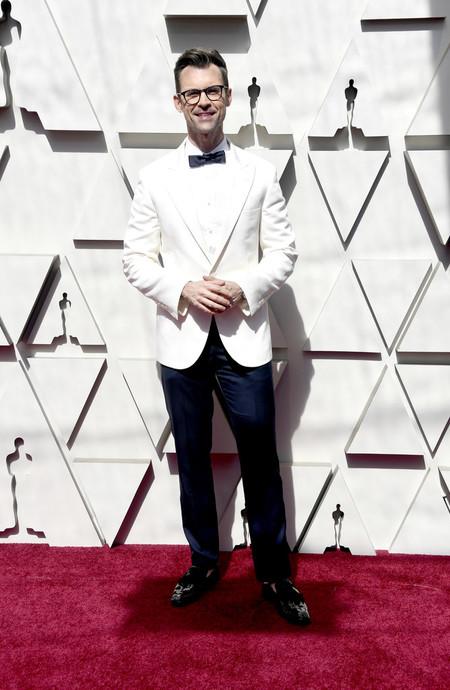 Brad Goreseki Abre La Red Carpet De Los Premios Oscar En Un Fabuloso Look En Blancox