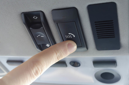 Cómo funciona la llamada de emergencia automática eCall (obligatoria en los coches nuevos el 1 de abril)