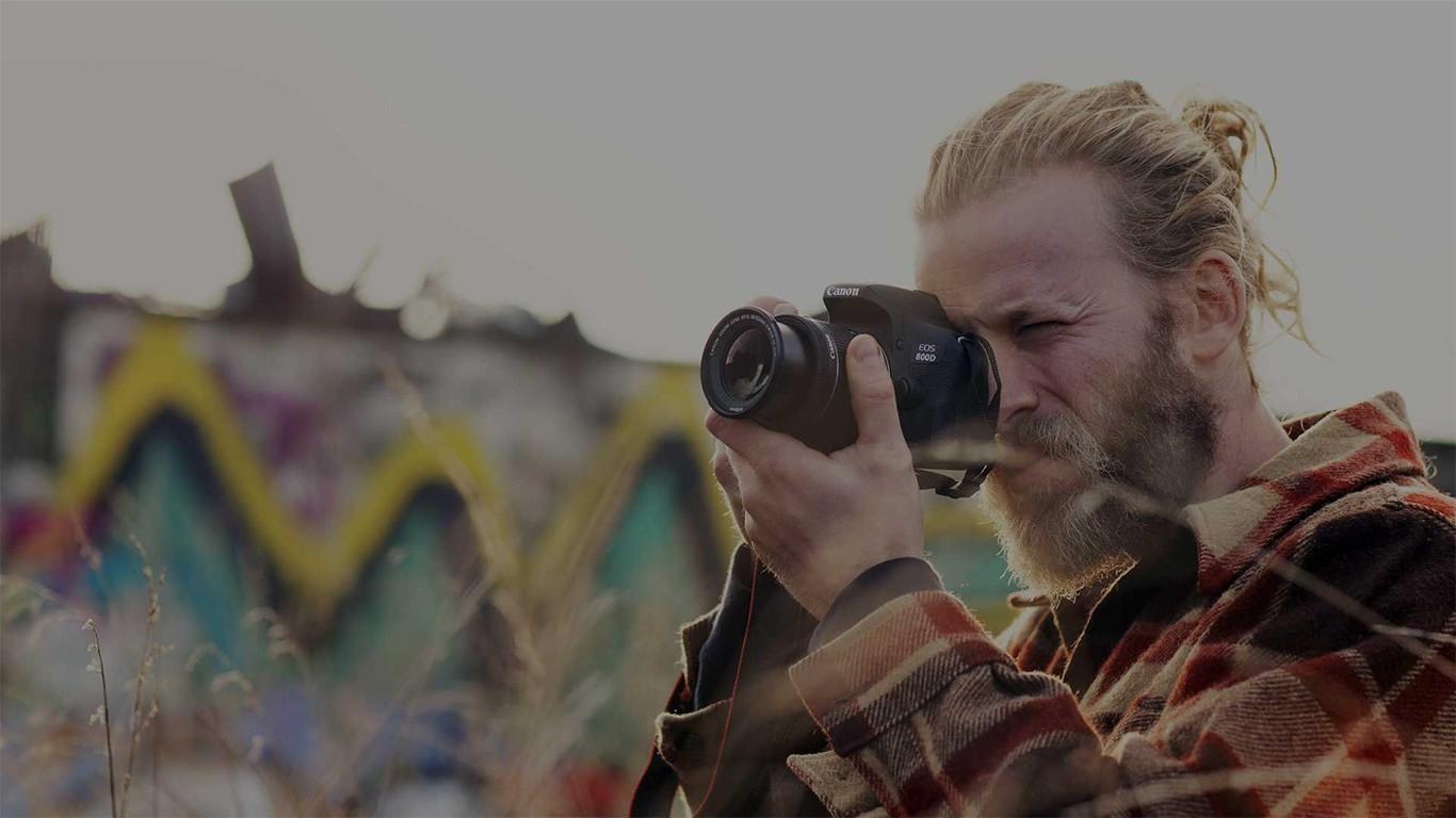 Canon EOS 800D, Sony A6300 y más cámaras, objetivos y accesorios en oferta: Llega Cazando Gangas