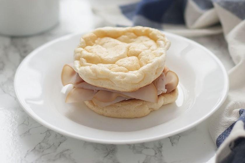 Cloud bread o pan nube: receta con solo 3 ingredientes y ninguno es harina
