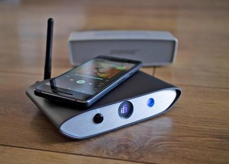 ¿Tienes un equipo de música antiguo que no soporta Bluetooth? Este accesorio de iFi te lo actualiza a la última versión