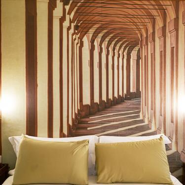 Cinco ideas prácticas y decorativas para que tu dormitorio parezca más grande