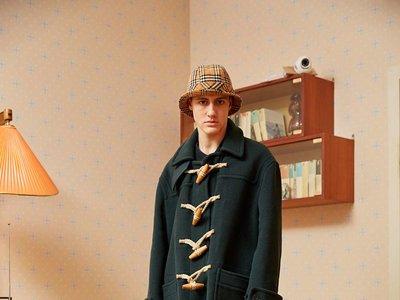 Gosha Rubchinskiy lanza una segunda colaboración con Burberry con los cuadros de la firma como protagonistas