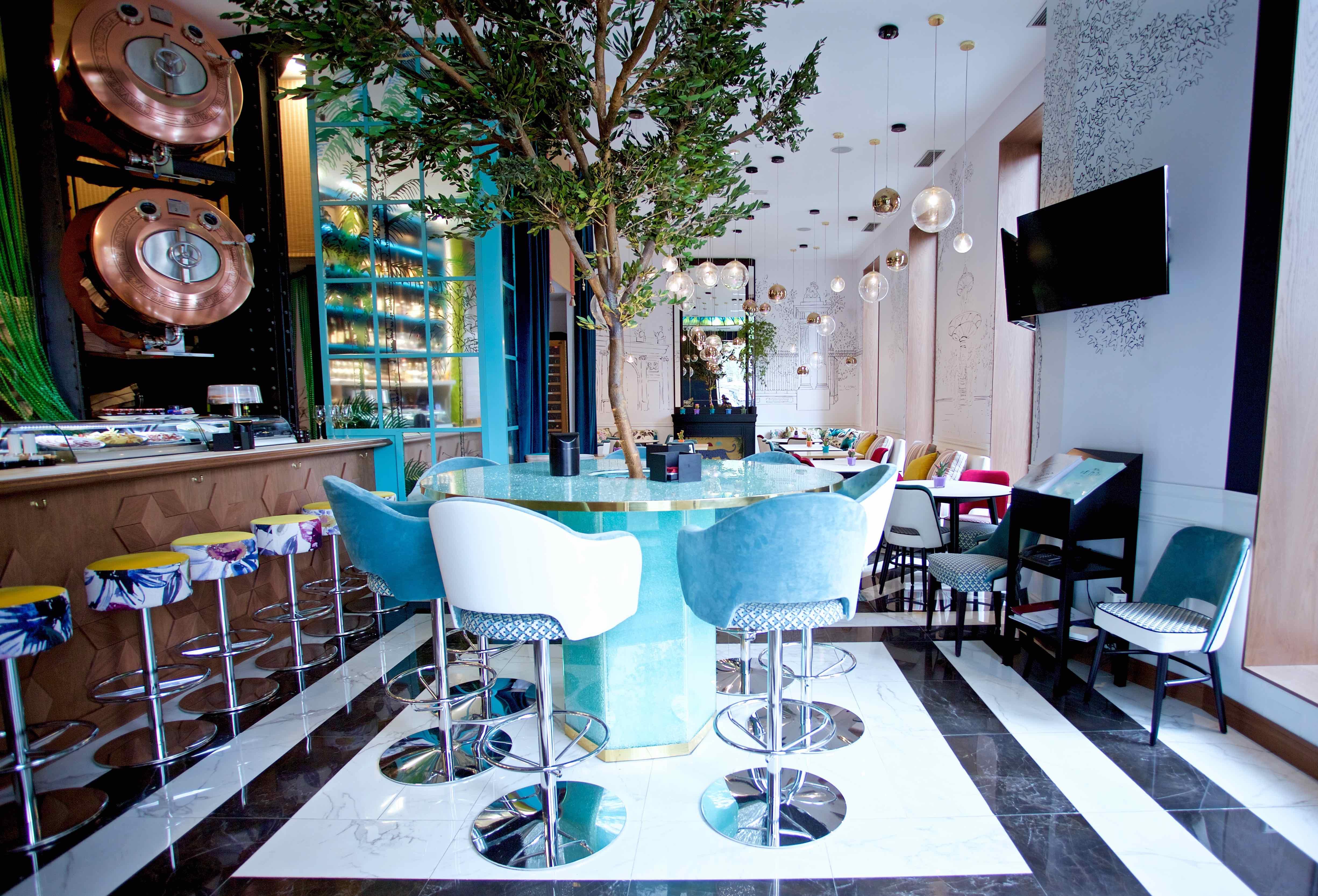 Los 13 restaurantes de madrid para salir a cenar en - Restaurantes navidad madrid ...