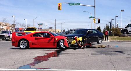 Dolorpasión™: El Ferrari F40 embestido por un Dodge Dart