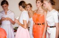 Para conseguir la elegancia de la mujer francesa apuesta por marcas del país vecino