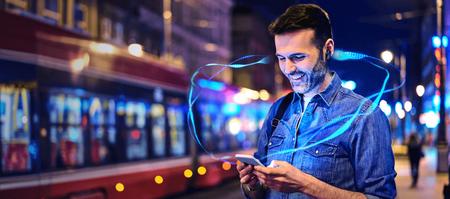 Qualcomm Snapdragon Sound quiere mejorar la calidad de sonido de móviles, altavoces y auriculares: hasta 24bit y 96kHz por Bluetooth