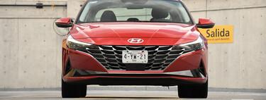 Hyundai Elantra 2022, a prueba: el coreano sube de nivel con una sólida apuesta por la tecnología y el diseño