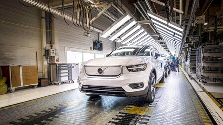 El Volvo XC40 Recharge es el primer coche eléctrico de Volvo y ya está en producción, pero con todo vendido hasta 2021