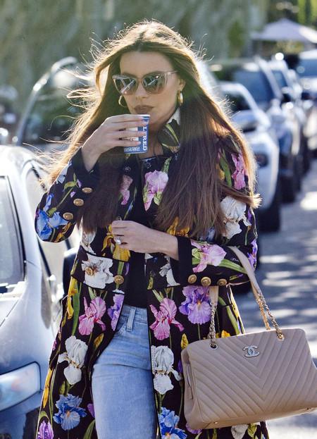Sofía Vergara nos da las claves para vestir esta primavera (y lucir prendas florales a todas horas)