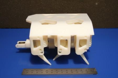 Los robots que andan no son novedad, pero este del MIT está hecho con una impresora 3D