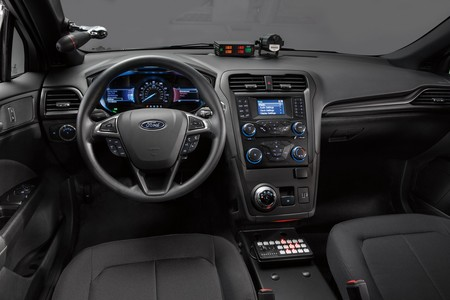 Police Responder Hybrid Sedan 4