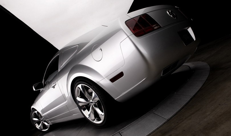 Foto de 2009 Ford Mustang Iacocca 45th Anniversary Edition (5/19)