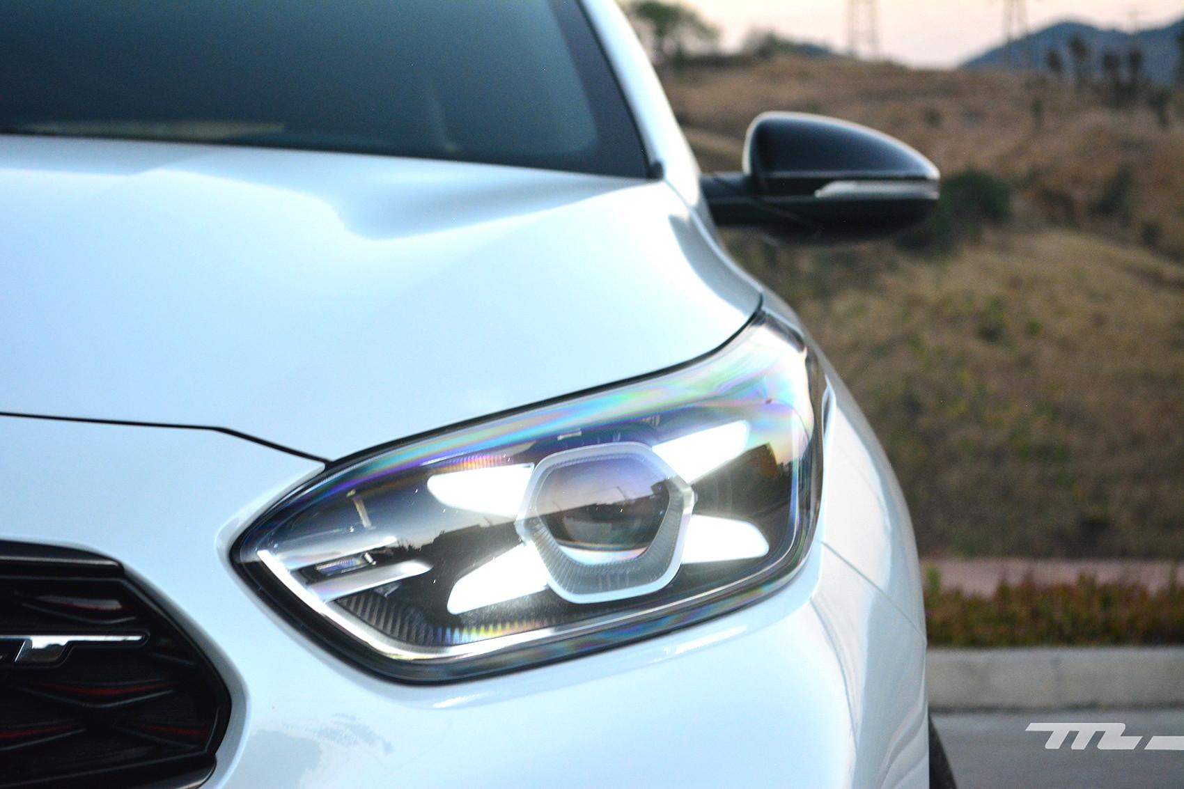 Foto de KIA Forte GT Hatchback (prueba) (19/23)