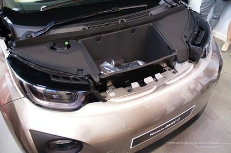 BMW i3 pequeño maletero delantero