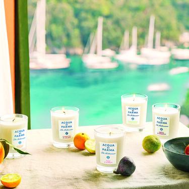 Nos vayamos o no de vacaciones podremos disfrutar de un viaje por el Mediterráneo italiano con las velas de Acqua di Parma