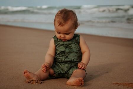 Mi bebé come arena, ¿qué puedo hacer?