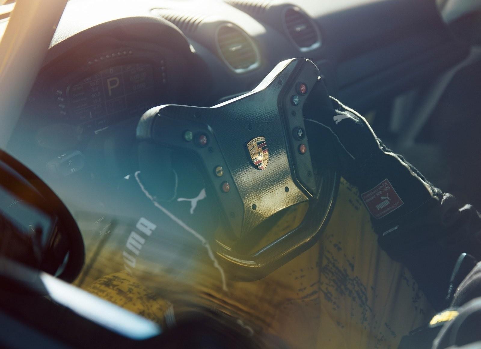 Foto de Porsche 718 Cayman GT4 Competition (10/13)