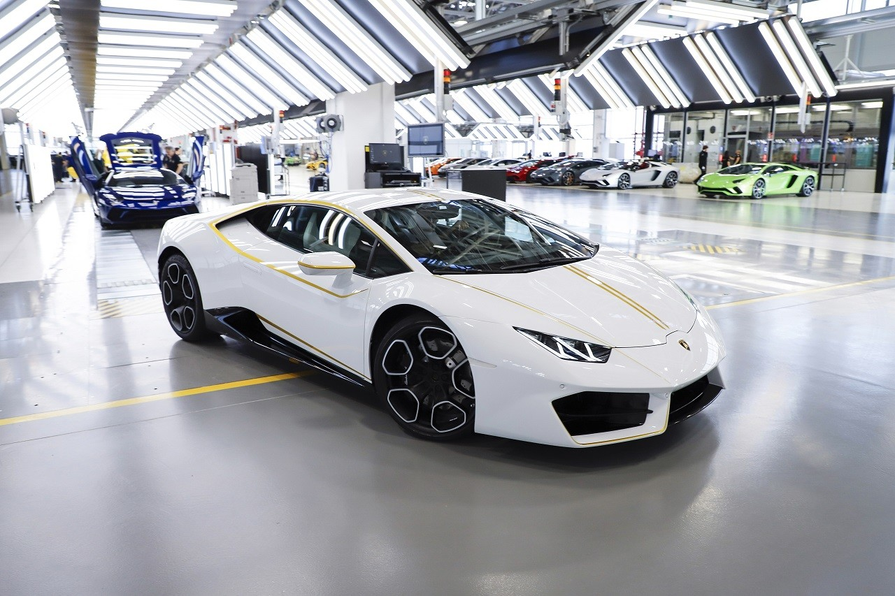 Foto de Lamborghini del Papa Francisco (10/16)