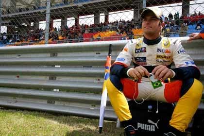En Renault le exigen una rápida reacción a Piquet