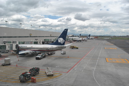 Aeropuerto Internacional De La Ciudad De Mexico Terminal 2 Hangar